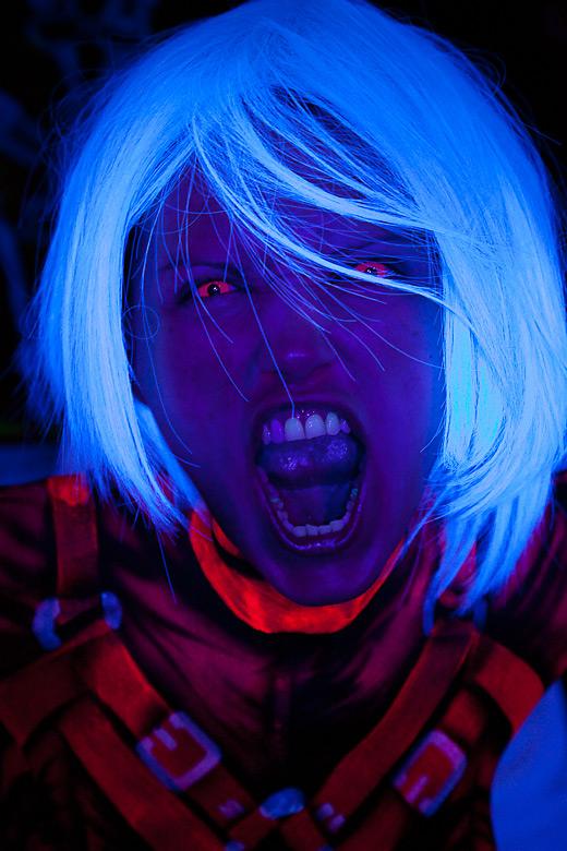 neon_gross_16