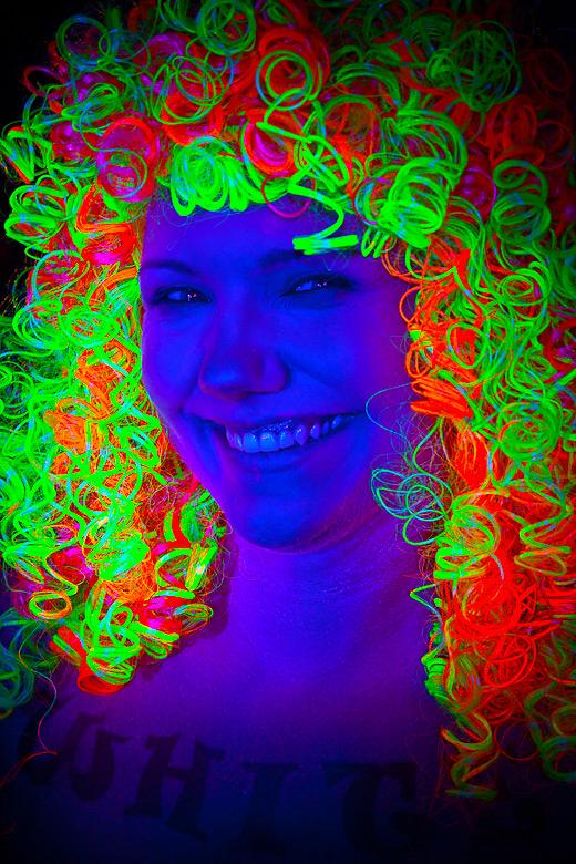 neon_gross_8
